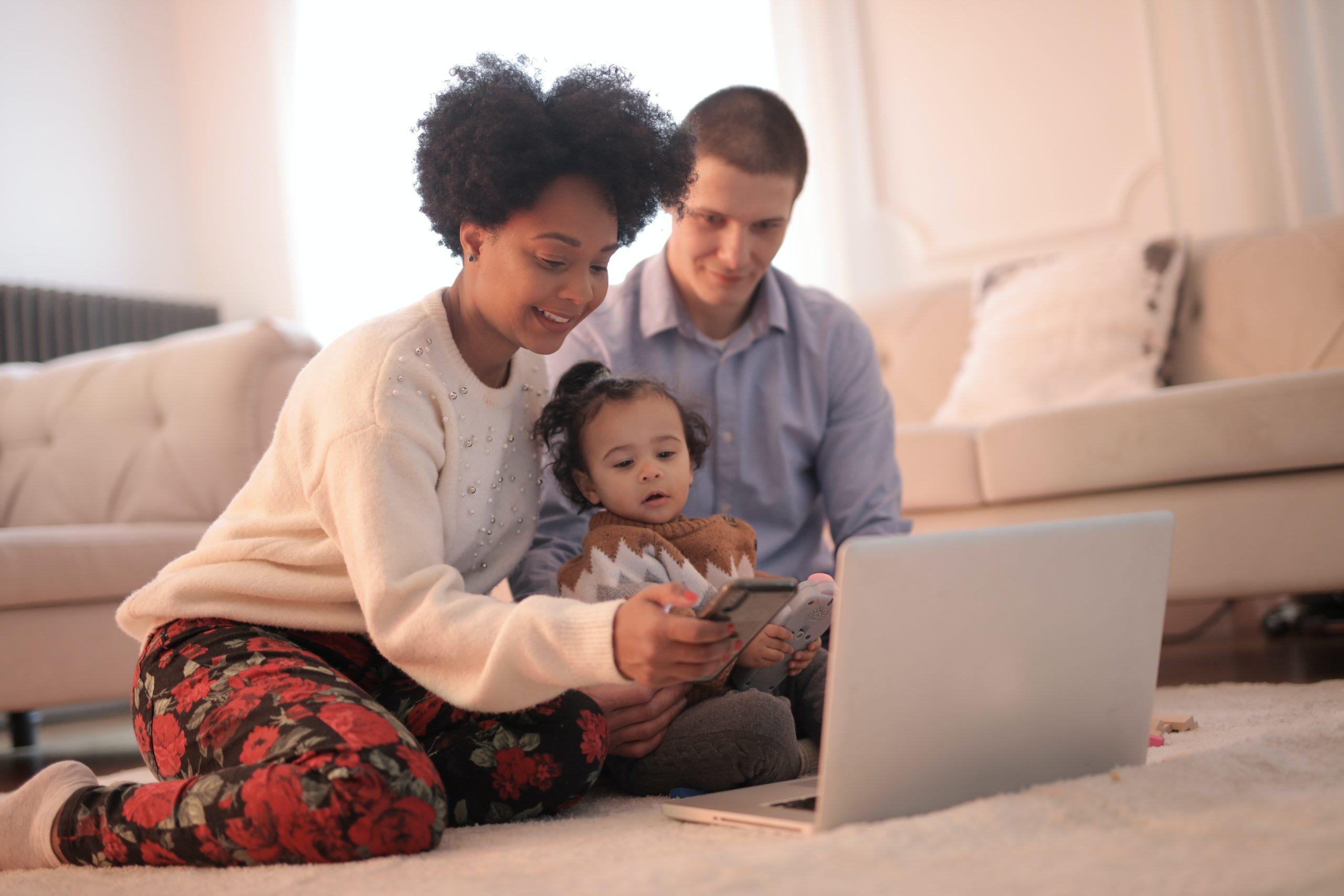 Internet et chaînes TV offerts pour les clients UPC.